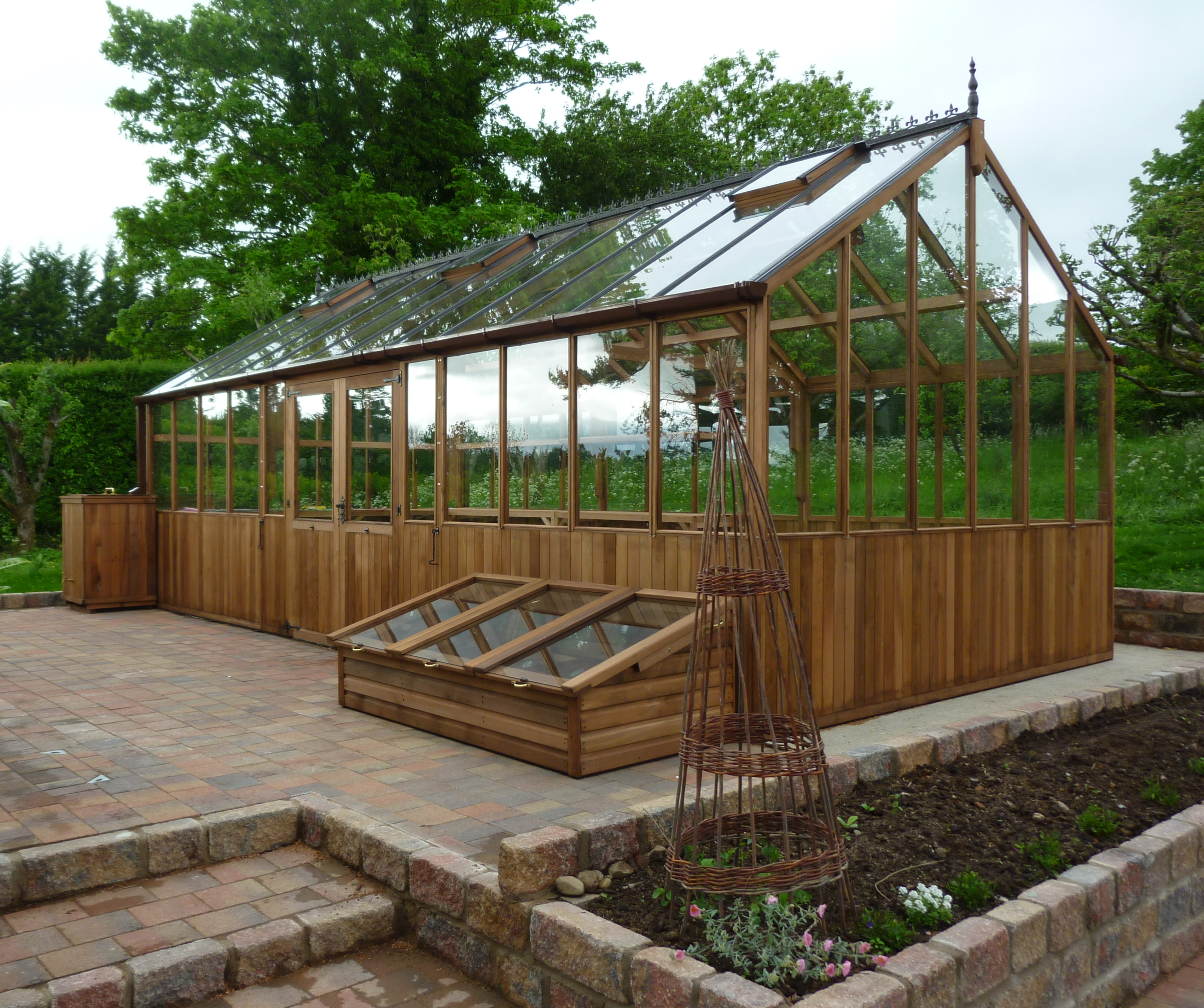 Bromley Cedar Greenhouse with Double doors in longside